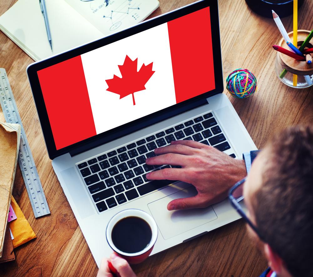 Notebook s kanadskou vlajkou